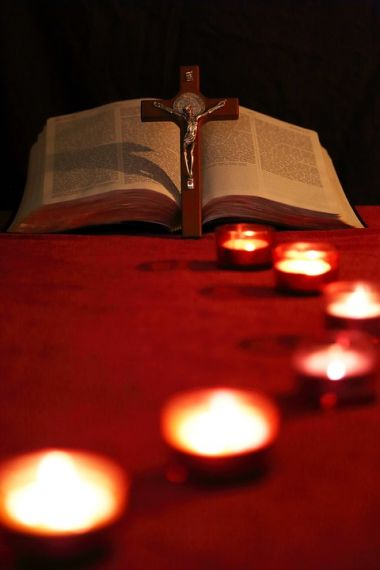 jesus-bible-and-candles