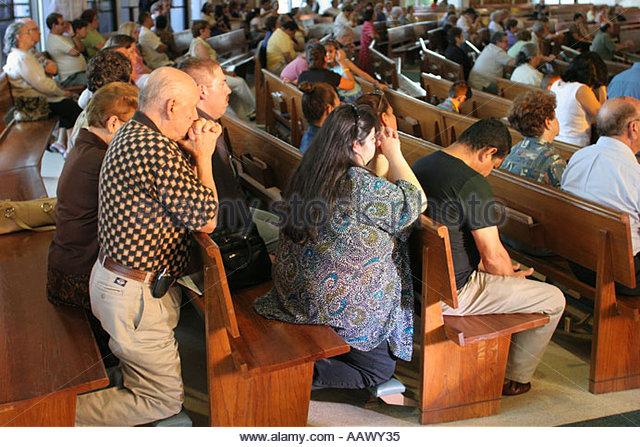hialeah-florida-immaculate-conception-catholic-church-hispanic-congregation-aawy35